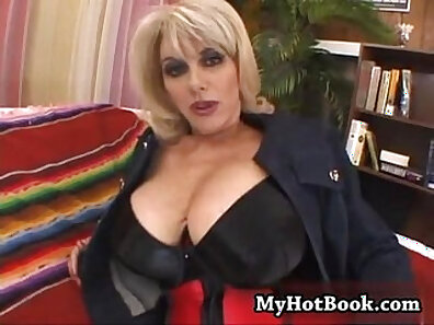 couch sex, cougar clips, fucking in HD, sexy mom, spectacular xxx movie