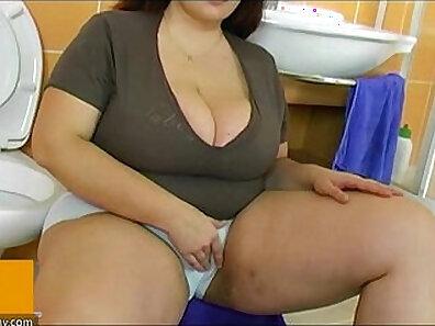 fat girls HD, fucking in HD, having sex, mature women, naked women, older woman fucking, plump, young babes xxx movie