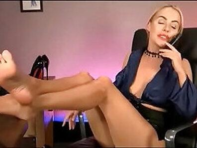 blondies, boss and secretary, feet, hot babes, pretty ladies xxx movie