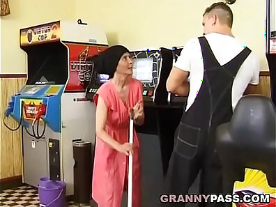 bodybuilder porn, granny movies, old with young, sexy sport scenes, young babes xxx movie