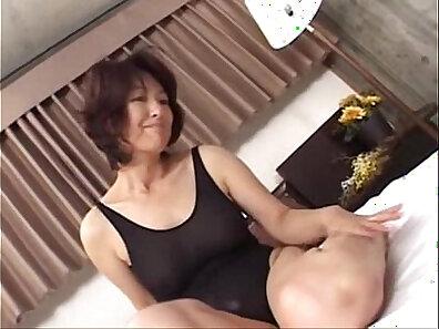 asian sex, fucking in HD, HD amateur, hot mom, mature women, older woman fucking xxx movie