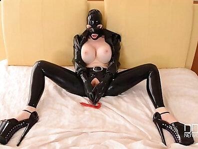BDSM in HQ, fucking in HD, latex fetish, masturbation movs, orgasm on cam, sexual goddess xxx movie