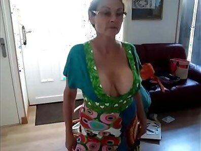 exhibitionist xxx, hot babes, mature women, older woman fucking xxx movie